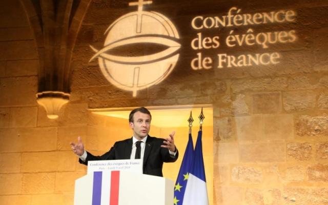Macron anima a los obispos franceses a hablar sobre bioética