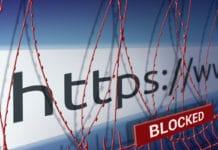 La imagen de la barra de direcciones del sitio web está bloqueando la cerca con alambre de púas, censurando el concepto de Internet
